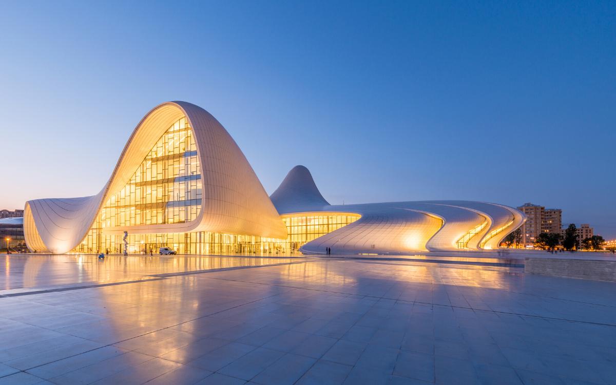 Heydar-Aliyev-Center-architecture