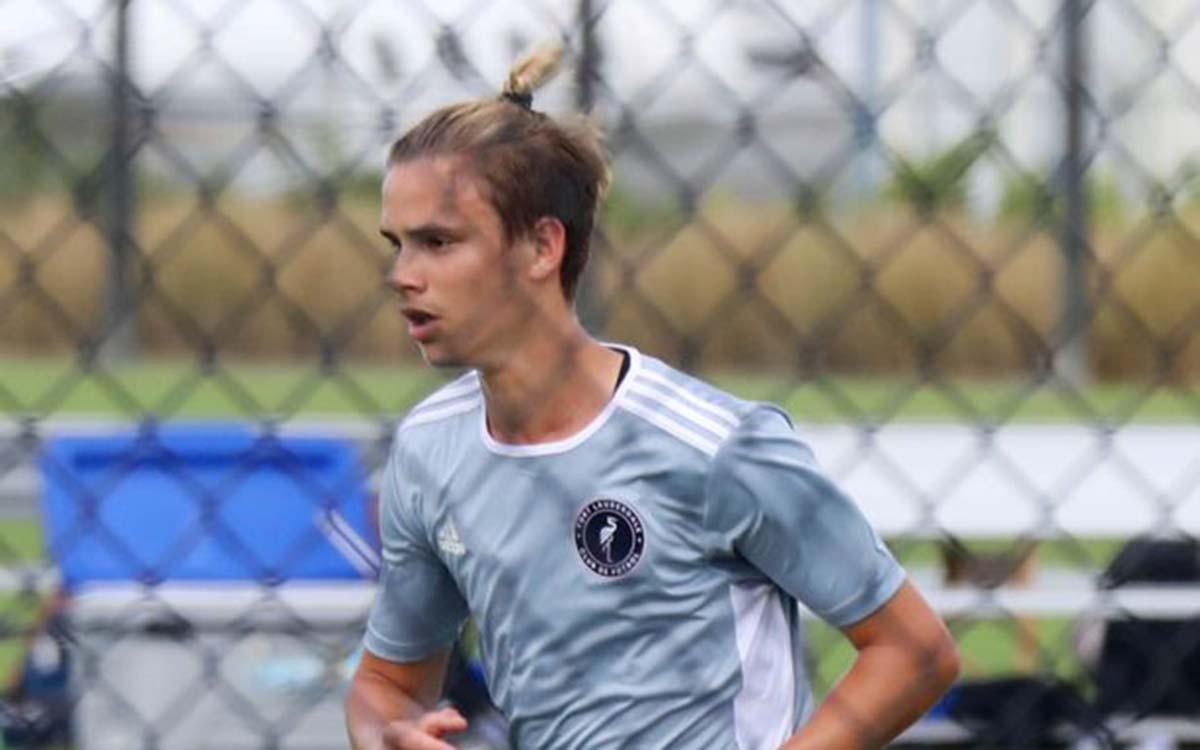 0_PAY-Romeo-Beckham-Florida-Soccer