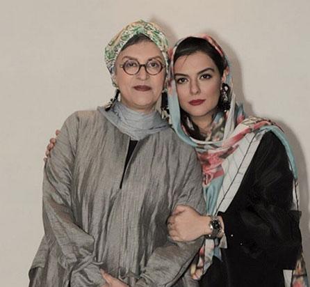 دنیا مدنی و مادرش رویا تیموریان