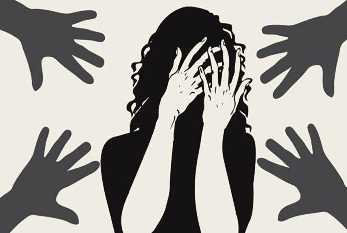 شوهر بی غیرت 8 مرد را برای تجاوز به زنش اجیر کرد!