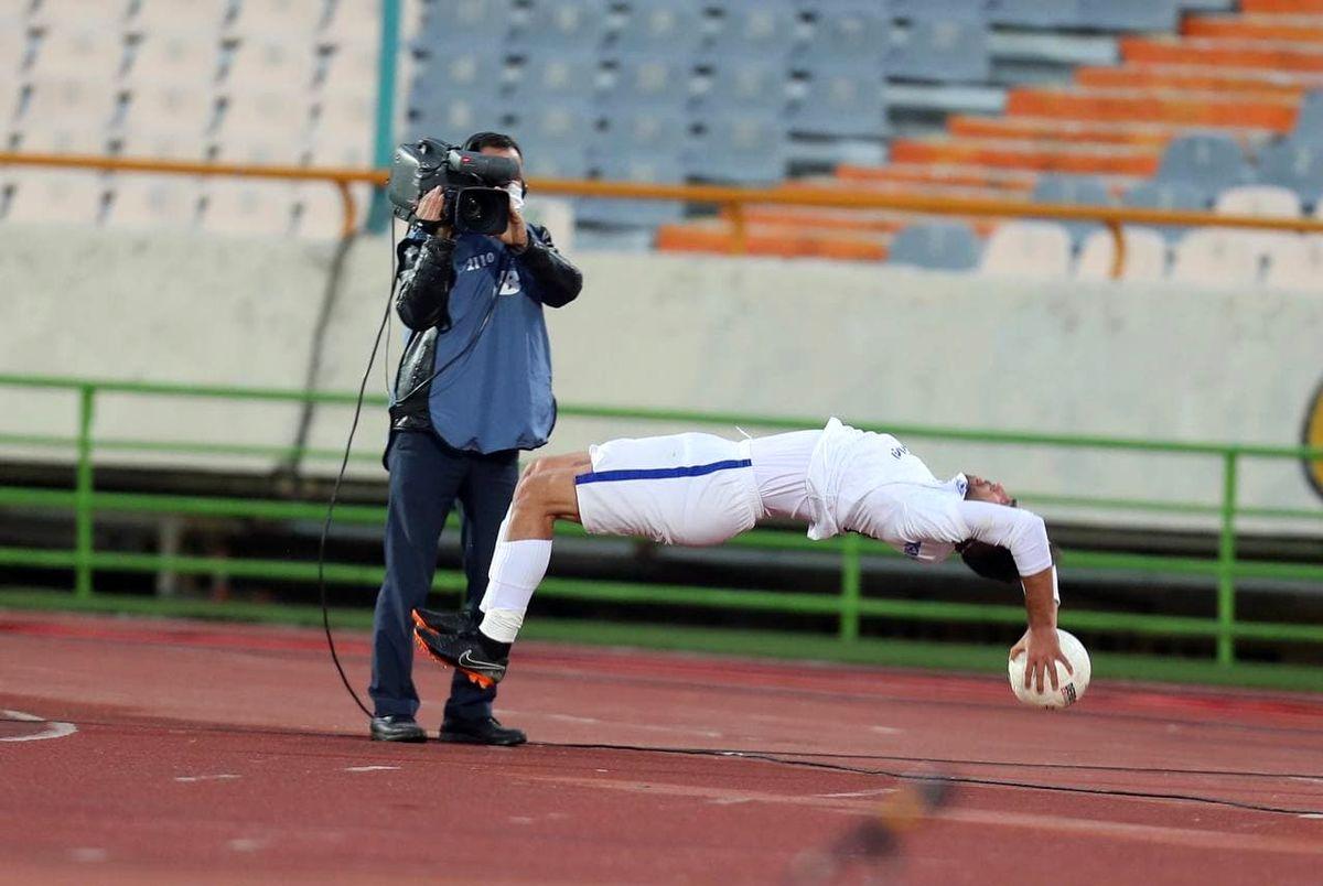 (عکس) نادر محمدی اوت انداز پیکان سوژه رسانهها خارجی
