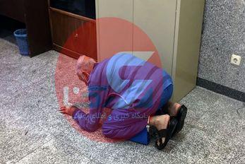 (عکس) سجده شکر پدر بابک خرمدین بعد از قتل پسرش!