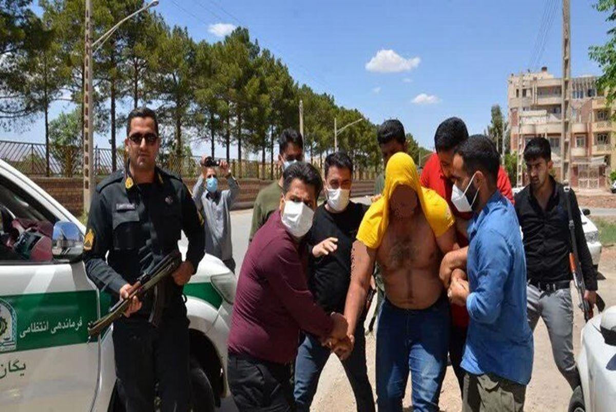 """(عکس) بازداشت """"خرس"""" به دست پلیس کرمان!"""