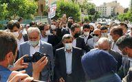 فیلم ورود احمدی نژاد به ستاد انتخابات وزارت کشور با پای پیاده