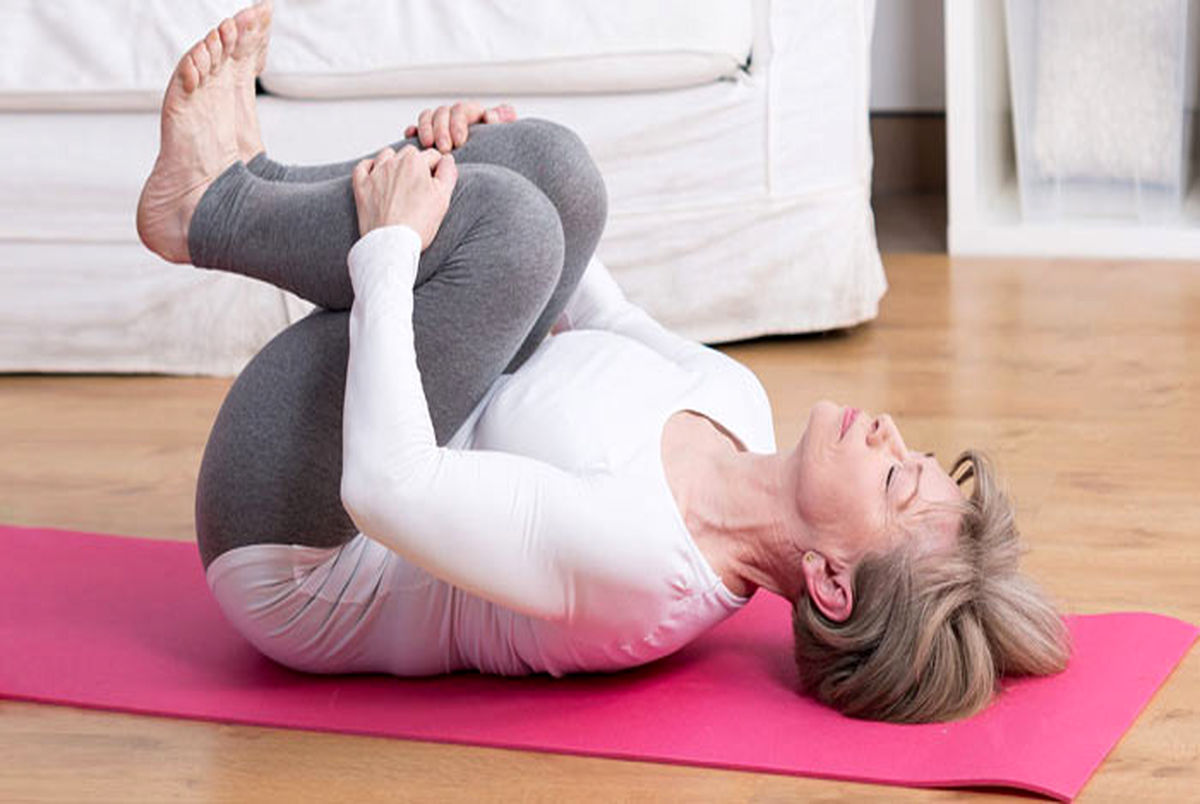 5 حرکت ساده برای تسکین کمر درد