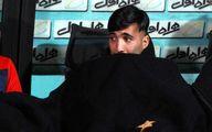 (عکس) تصویری تلخ از محسن مسلمان بر سر مزار پدرش
