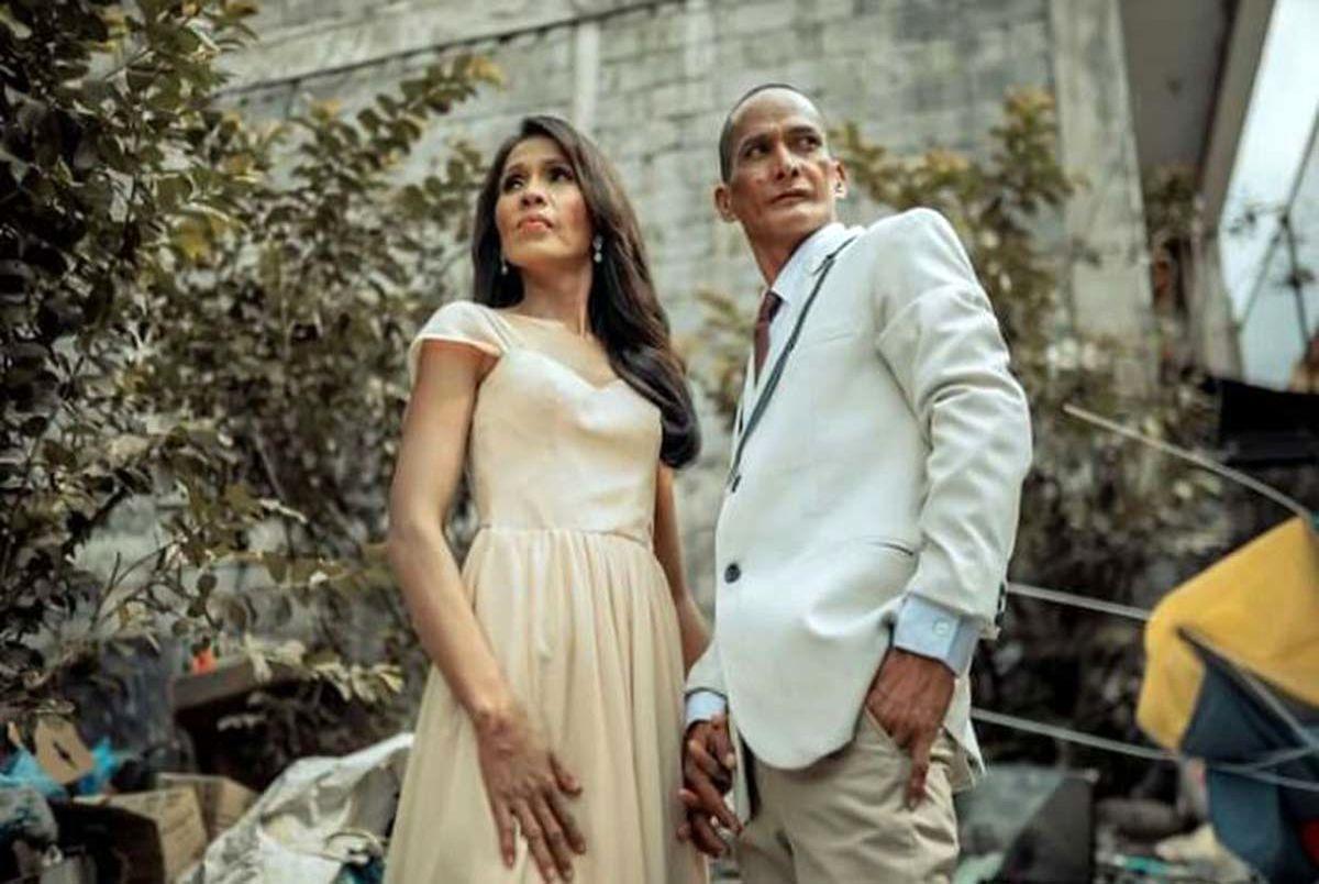 (عکس) عروسی غافلگیر کننده یک زوج بی خانمان بعد از 24 سال