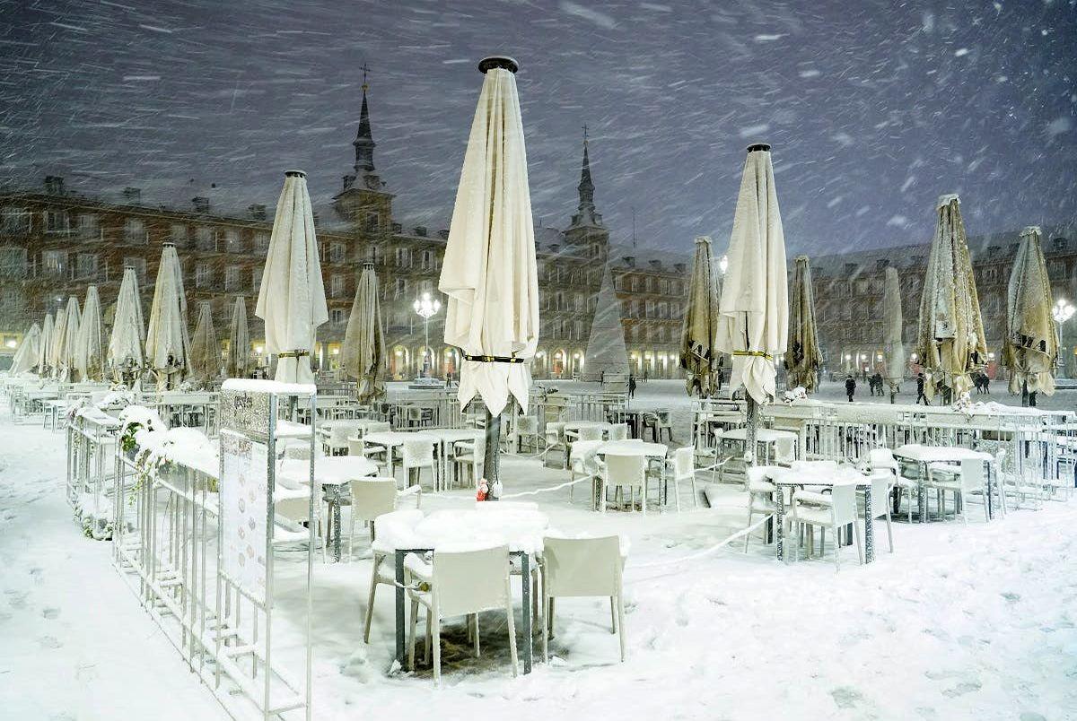 (تصاویر) بارش برف و سرمای بیسابقه در مادرید