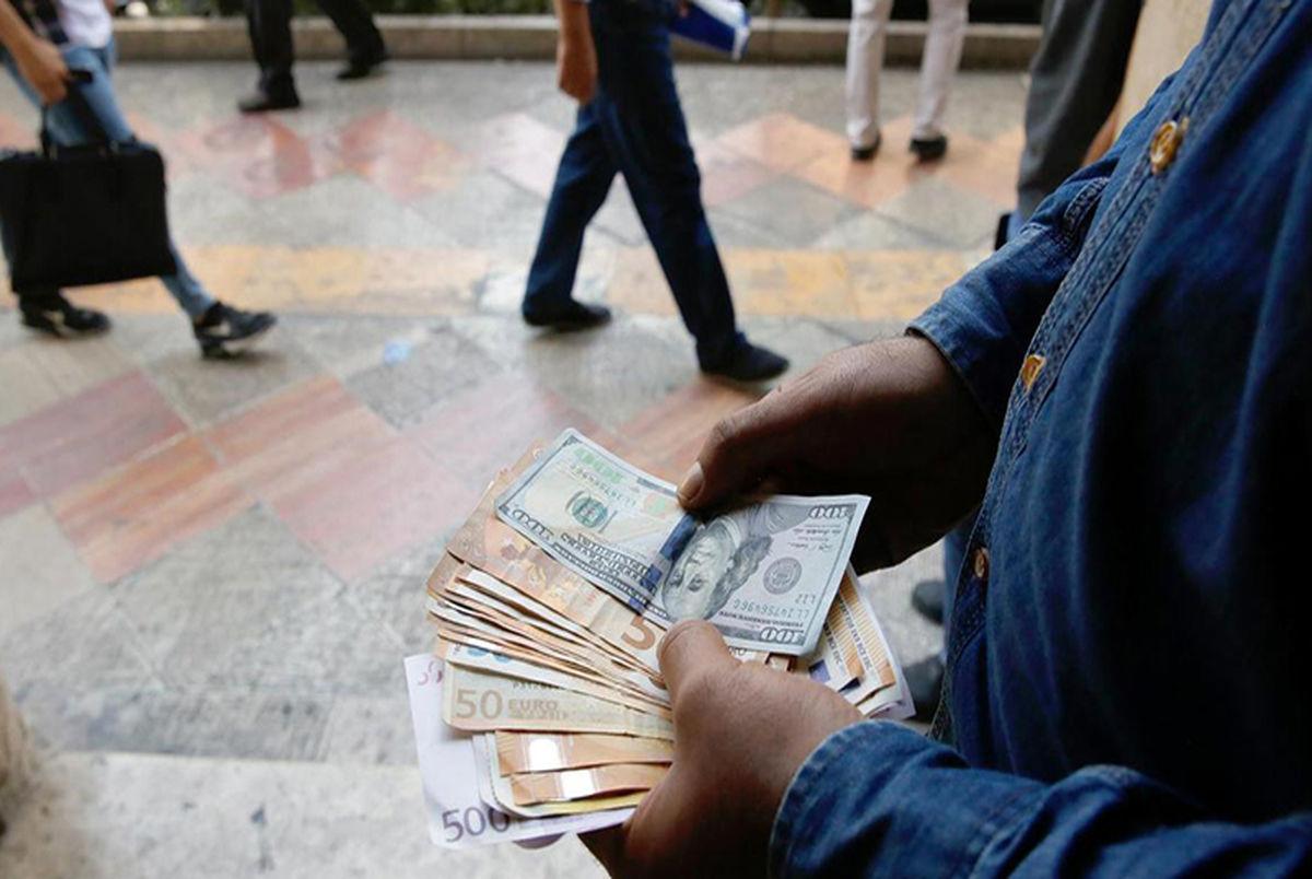 پیش بینی دلار در اسفند ۹۹ ، ارز تا پایان سال گران میشود یا ارزان؟